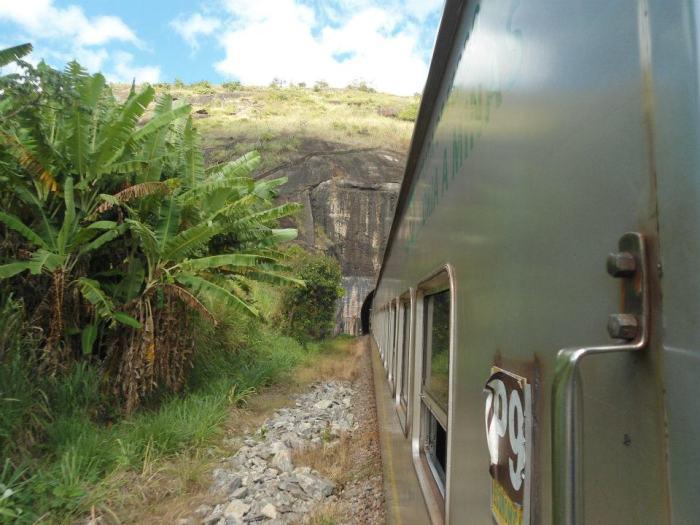 trem túnel