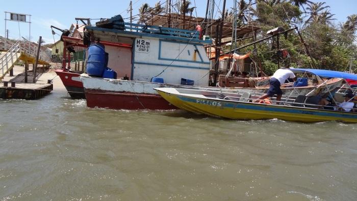 Pescadores adoram dar aos barcos o nome de um filho. Imagine quantos filhos este aqui tem?