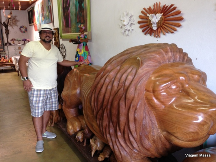 leão de madeira