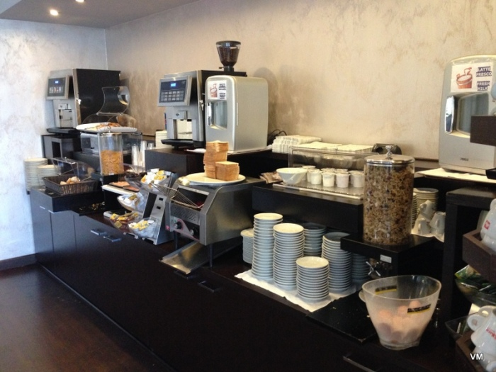O café custa 5 euros por diária
